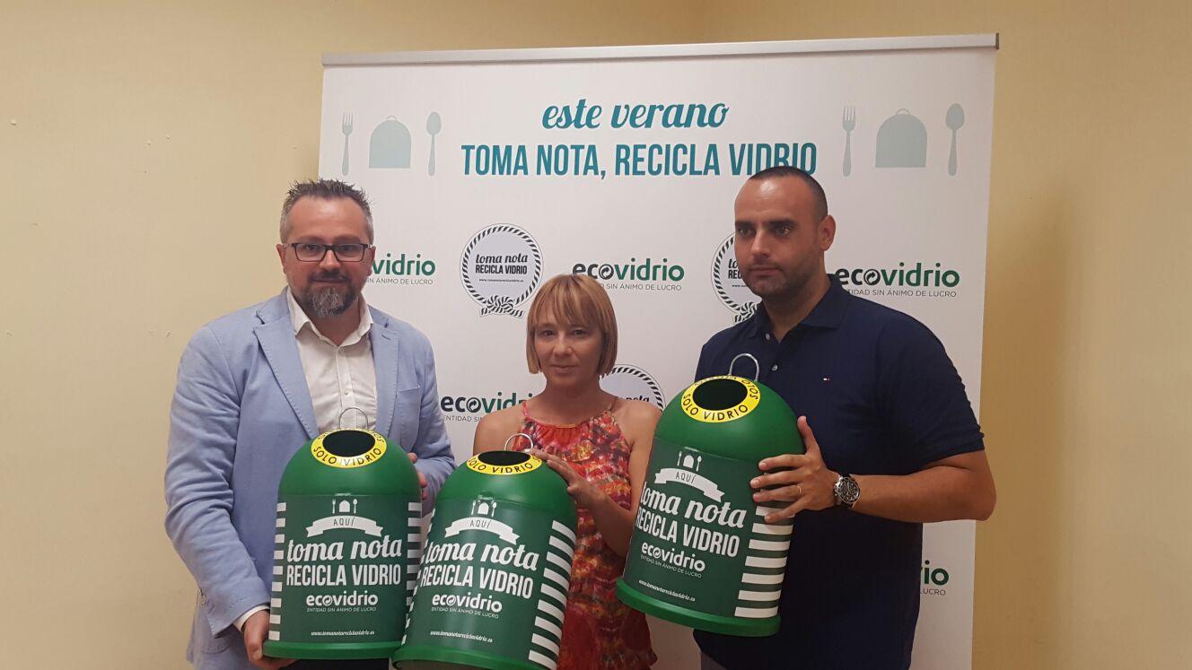Ecovidrio, el Ayuntamiento de Valencia y la FEHV presentan el plan integral para incrementar el reciclado de vidrio en verano