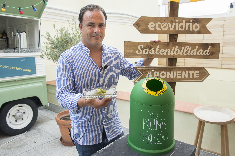3.000 bares y restaurantes de la Comunidad Valenciana participan en el plan integral para incrementar la tasa de reciclaje de vidrio en verano