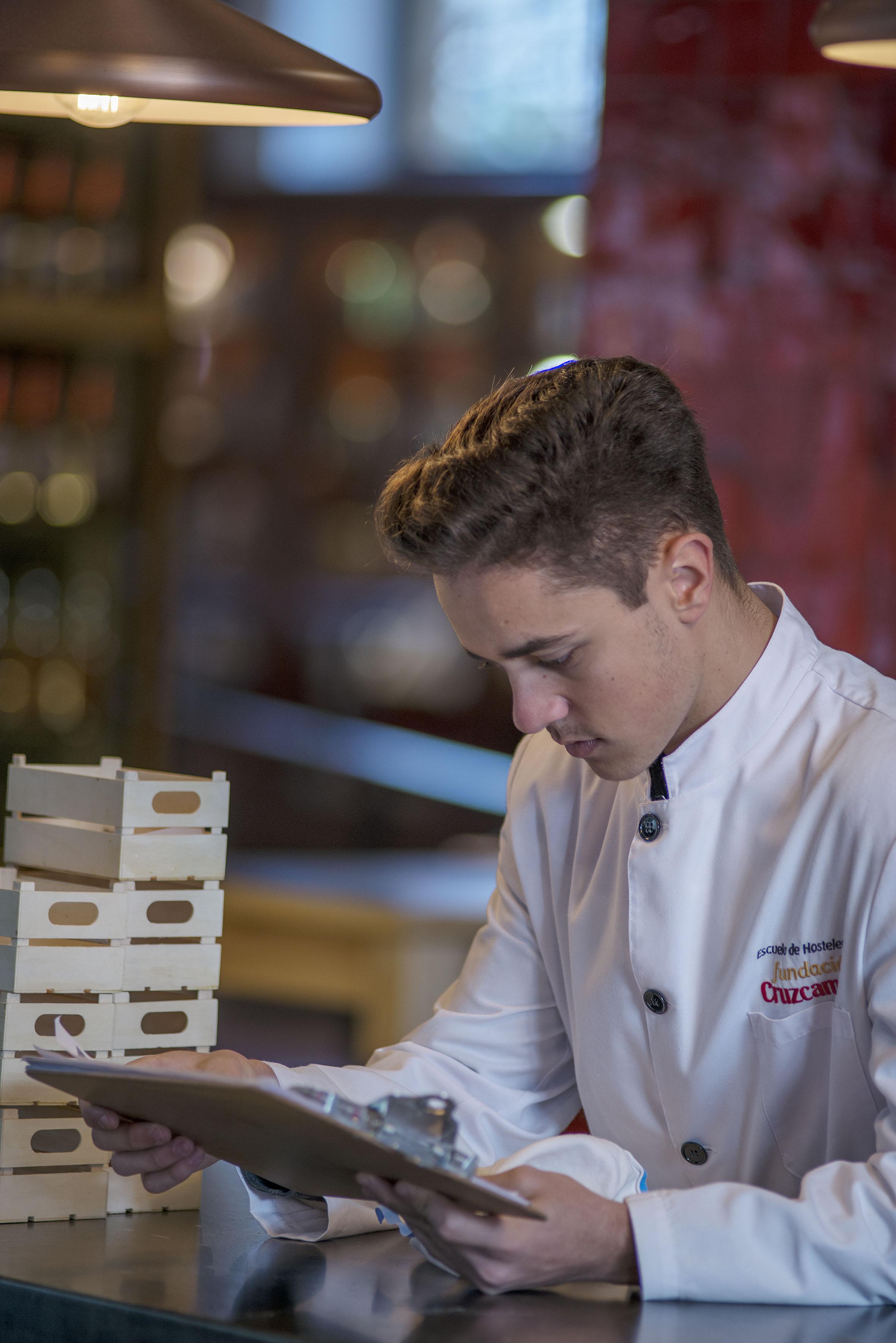 Los españoles valoran más la calidad de la cocina y la profesionalidad del servicio hostelero que el precio