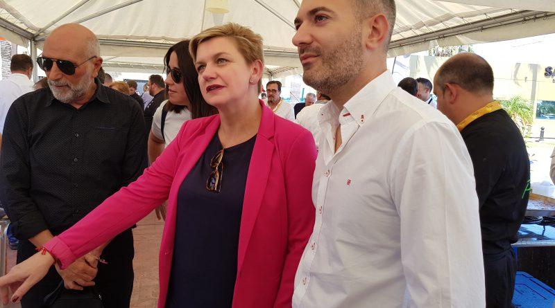 """Pilar Moncho presenta demà """"Del tros al plat comarques"""" a La Marina"""