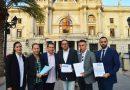 FEHV y FOTUR presentan 6.000 firmas contra la prohibición de aparcar en el carril bus por la noche
