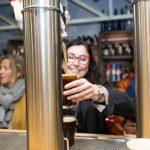 Las Cervezas del Mercado organiza el primer mercadillo navideño estilo centroeuropeo con ostras, quesos, cervezas, jazz y collages nipones