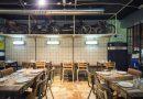 Abre en Valencia la primera hamburguesería ambientada en un taller mecánico de los 70 decorada con piezas de anticuarios