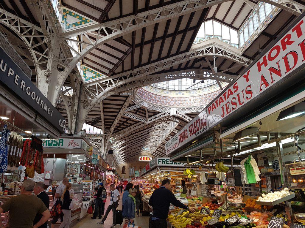 Amazon acuerda con Dia y el Mercado Central llevar a València la compra 'on line'