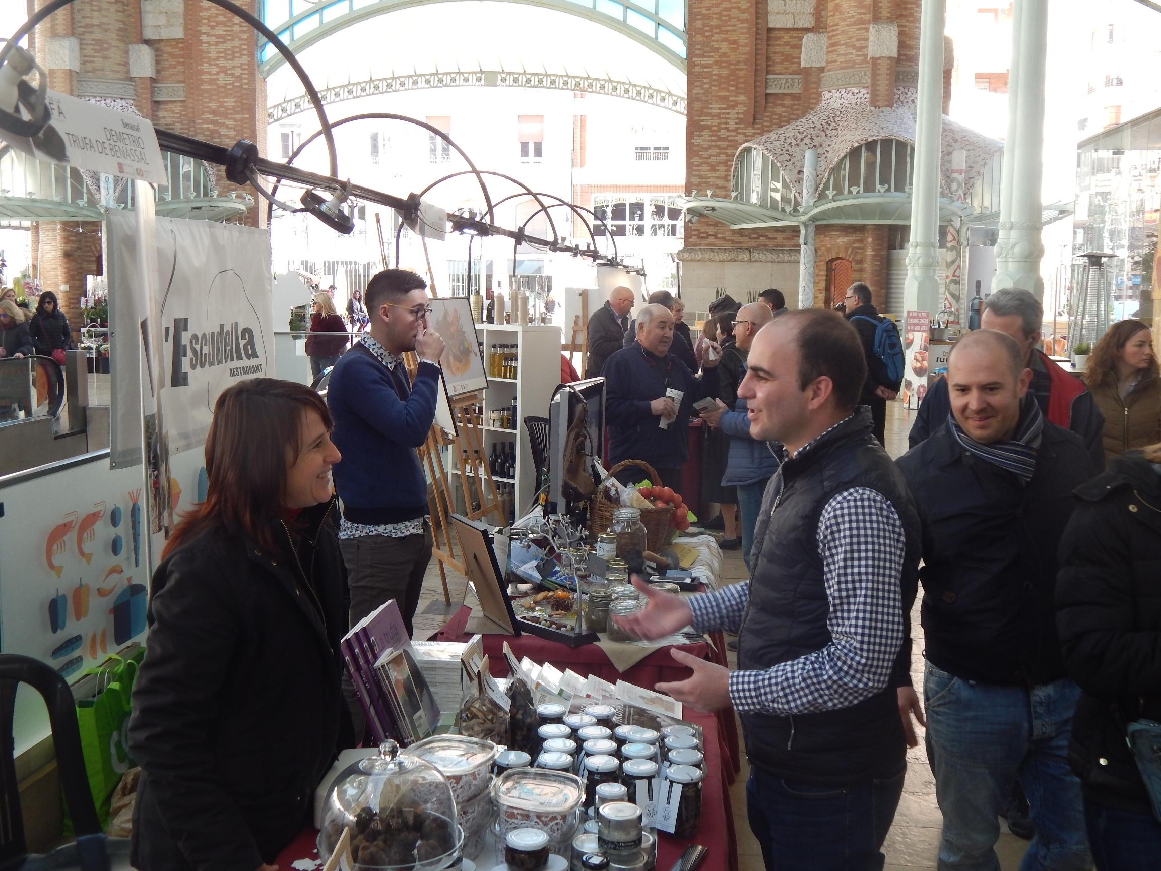 La Diputación promociona la trufa provincial en el centro de Valencia con un exitoso 'Mercado de la Trufa Negra Castelló Ruta de Sabor'