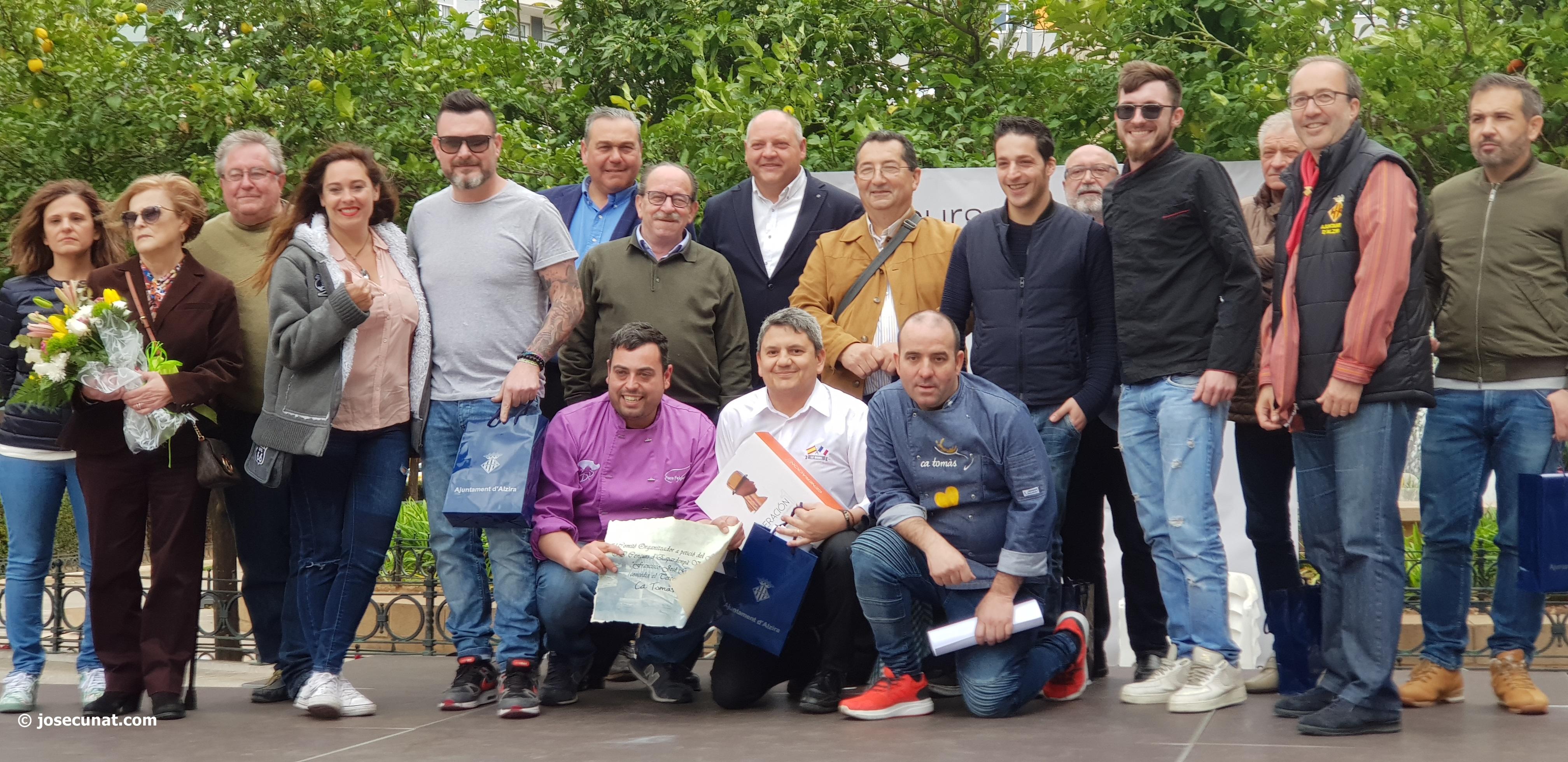 """El premio del II Concurs d'Espardenyà Valenciana"""" de Alzira Francisco José García se queda en la ciudad"""