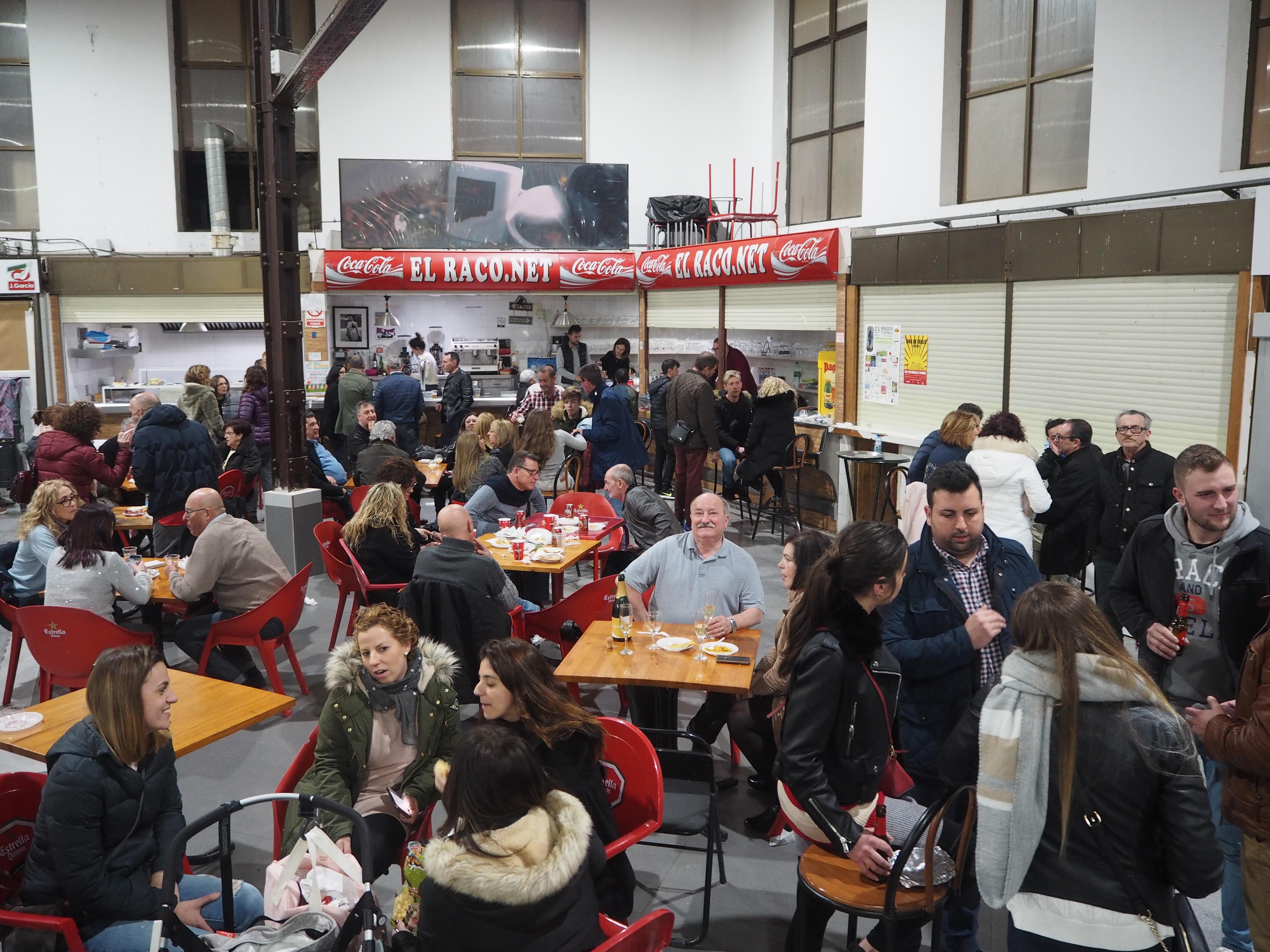Sueca empieza la Pascua en el Mercado Municipal
