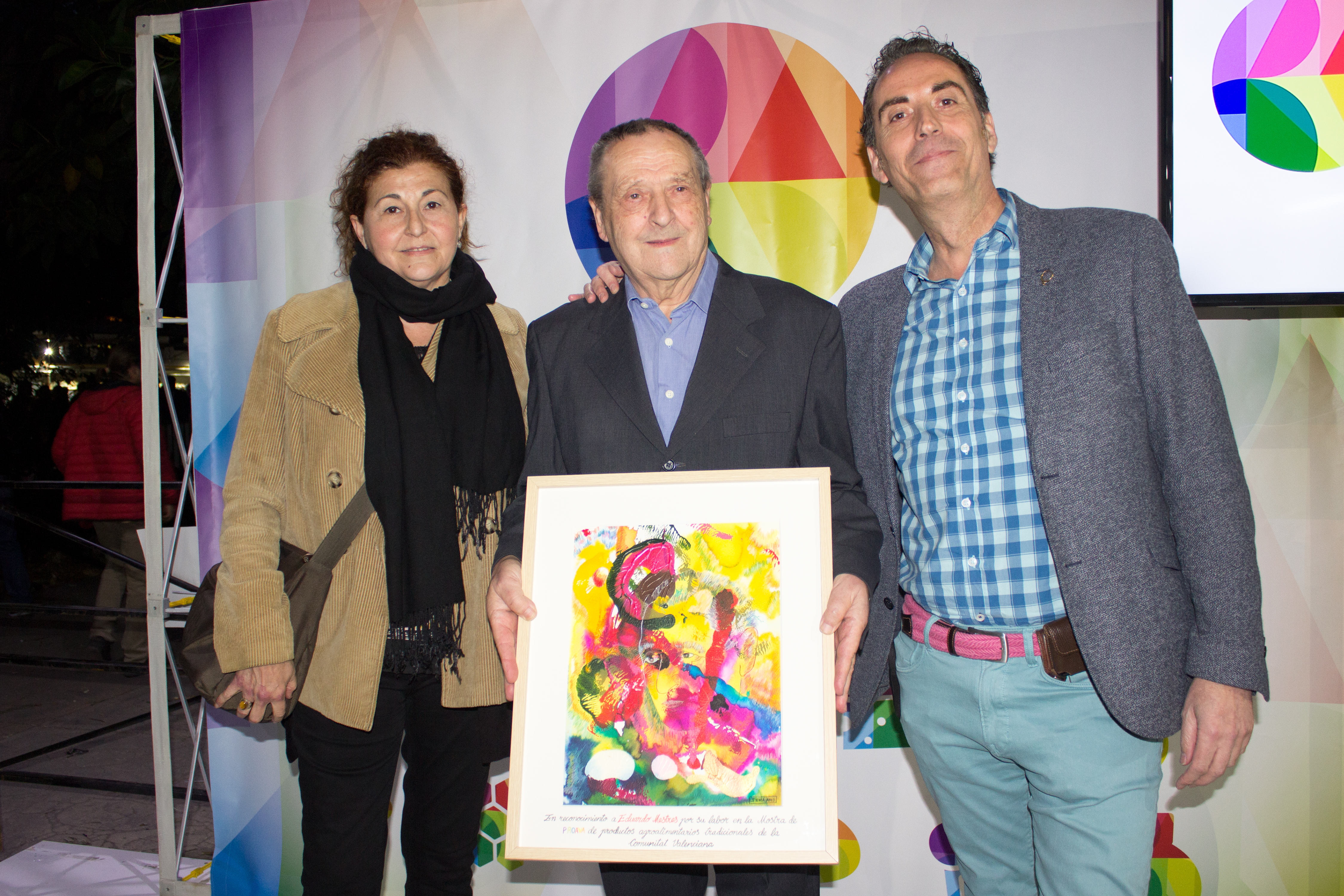 Homenaje Proava a Eduardo Mestres con una obra de Inma Amo