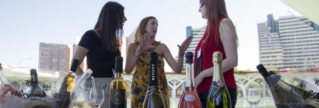 Les dones del vi', primer club femenino de vino de València