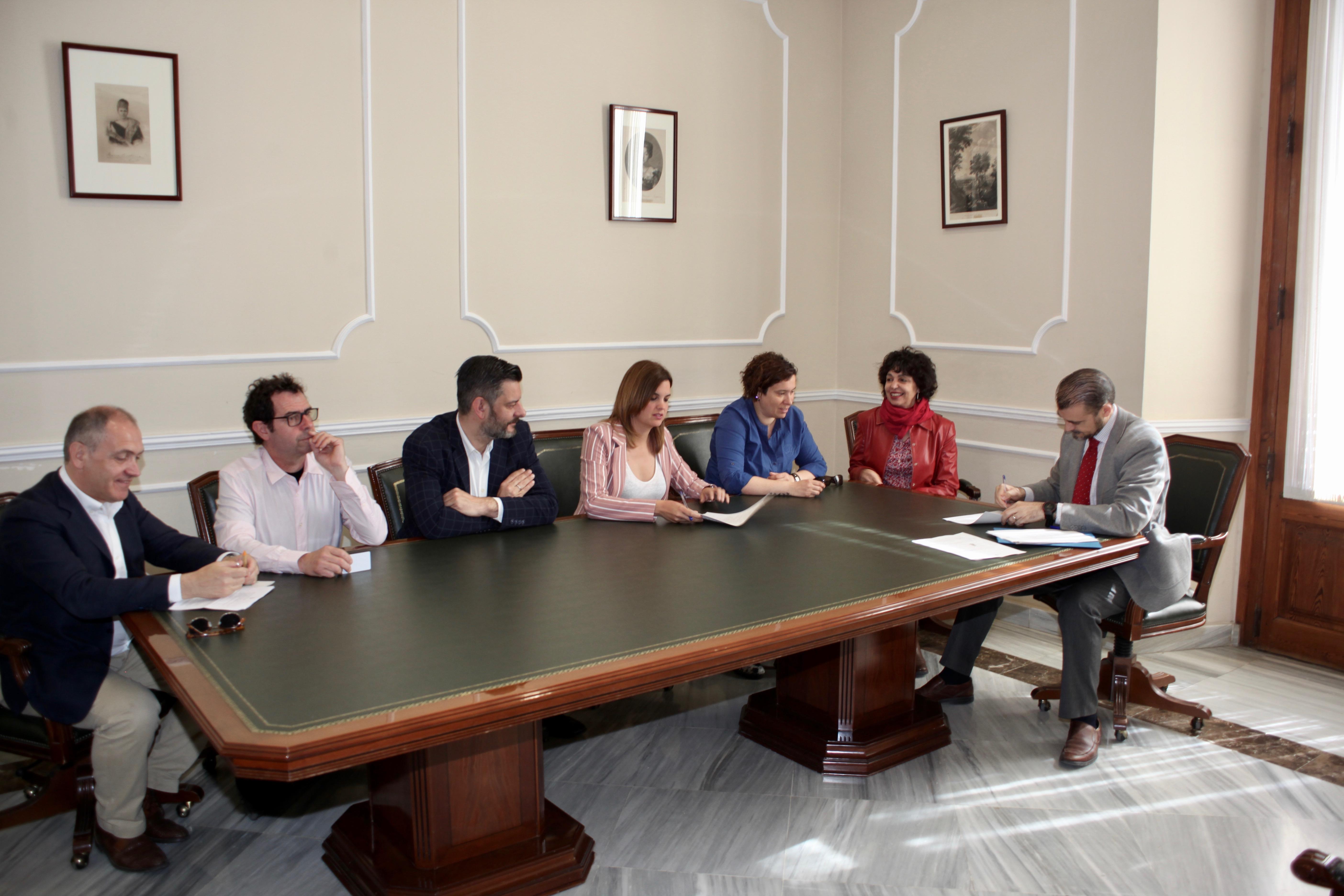 """El Mercado Central considera """"un gran paso"""" la firma del Protocolo de Buenas Prácticas para el Turismo"""