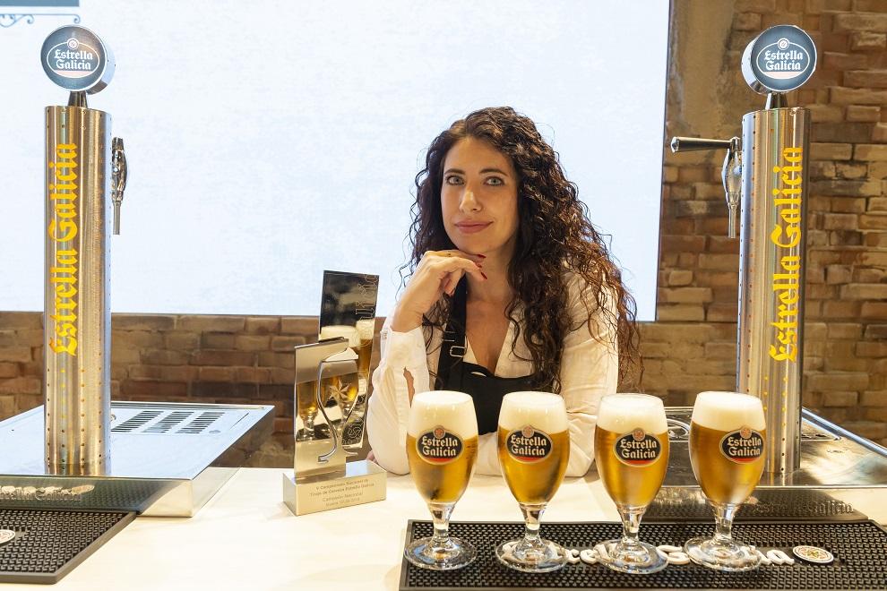 La alicantina Davinia Martínez es la mejor tiradora de cerveza de España de 2018