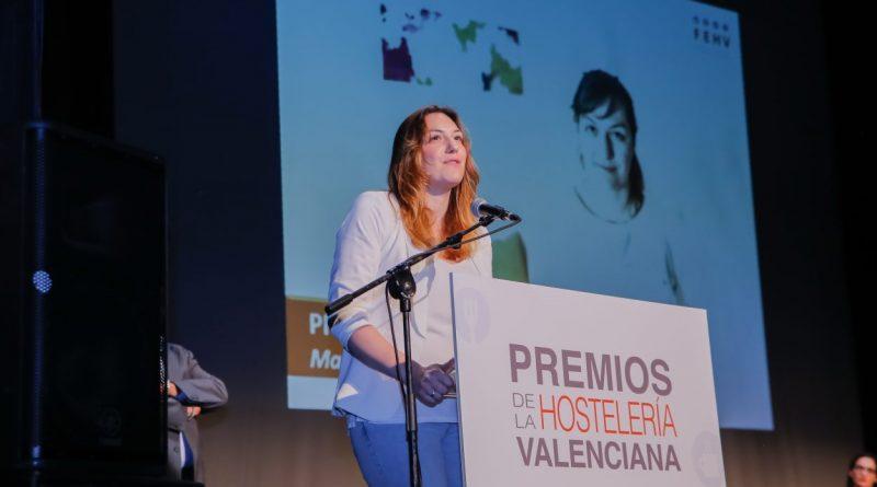 MªJosé Martinez recibe el premio de la FEHV a la Profesional Hostelera 2018