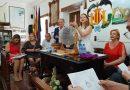 Cebrián agradece en la comunidad del Palmar el esfuerzo empleado en la conservación del lago gracias al Sorteig de Redolins