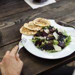 Comer sin mantel multiplica por 37 la exposición del consumidor a las bacterias