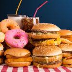 Acuerdan reducir en un 10% los azúcares y grasas saturadas para 2020