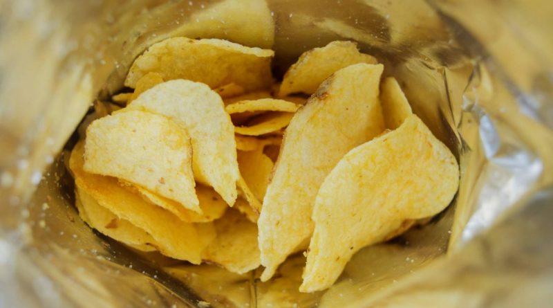 La Organización de Consumidores europea pide limitar la acrilamida en patatas fritas y galletas