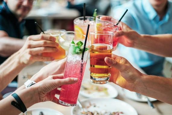 Confirmado: consumir cantidades pequeñas de alcohol no reduce la mortalidad