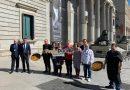 La paella valenciana toma el Congreso con la iniciativa Paella Doodle en el último pleno de la legislatura