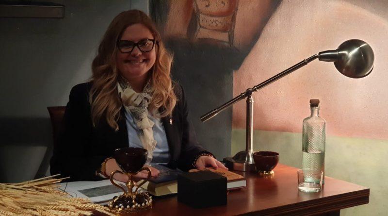 La Dra. Ana Mafé explica la Pascua judía y sus relaciones con el Santo Cáliz acompañada por numerosos asistentes