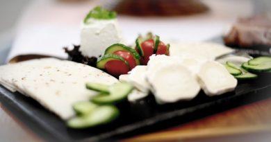 Desarrollan envases bioactivos para alargar la vida de los quesos en lonchas