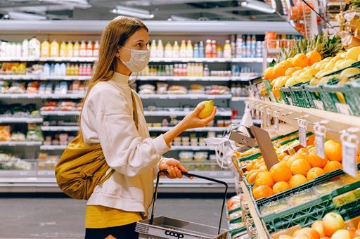 Planas anima a la distribución alimentaria a apostar por los productos españoles, de temporada y proximidad