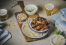 Churrasquitos de Ternasco de Aragón asados con gajos de cebolla Fuentes de Ebro DOP y salsa de yogur y menta