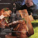 """Correos emite sellos que permiten oler y saborear """"España en 19 platos"""""""