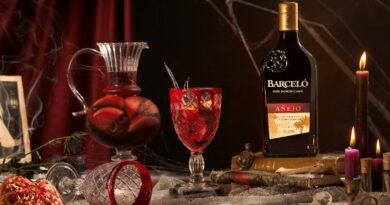 El cóctel más sangriento y vampírico para Halloween se llama 'Barceló Sangría Roja'